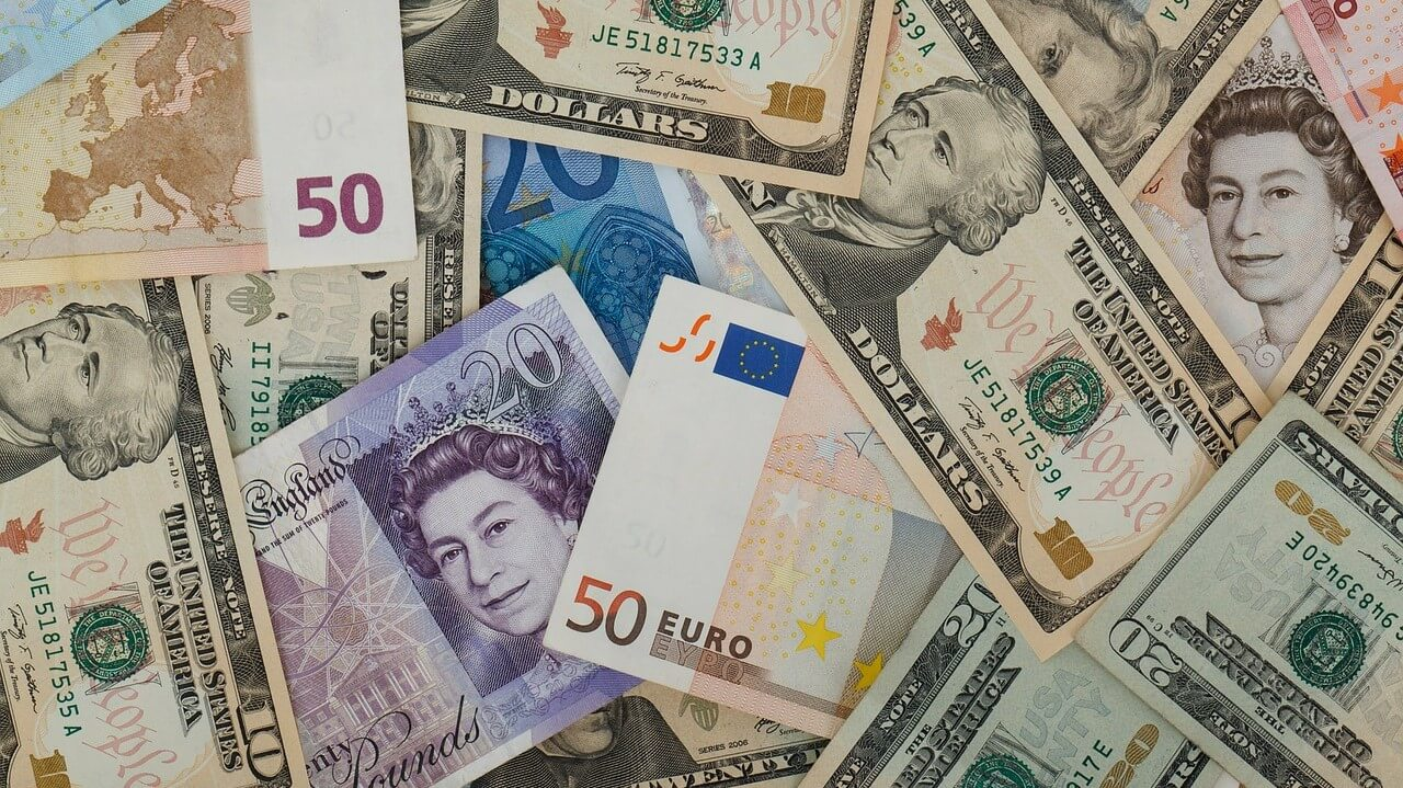 Mixed bank notes, pound, euro, dollar