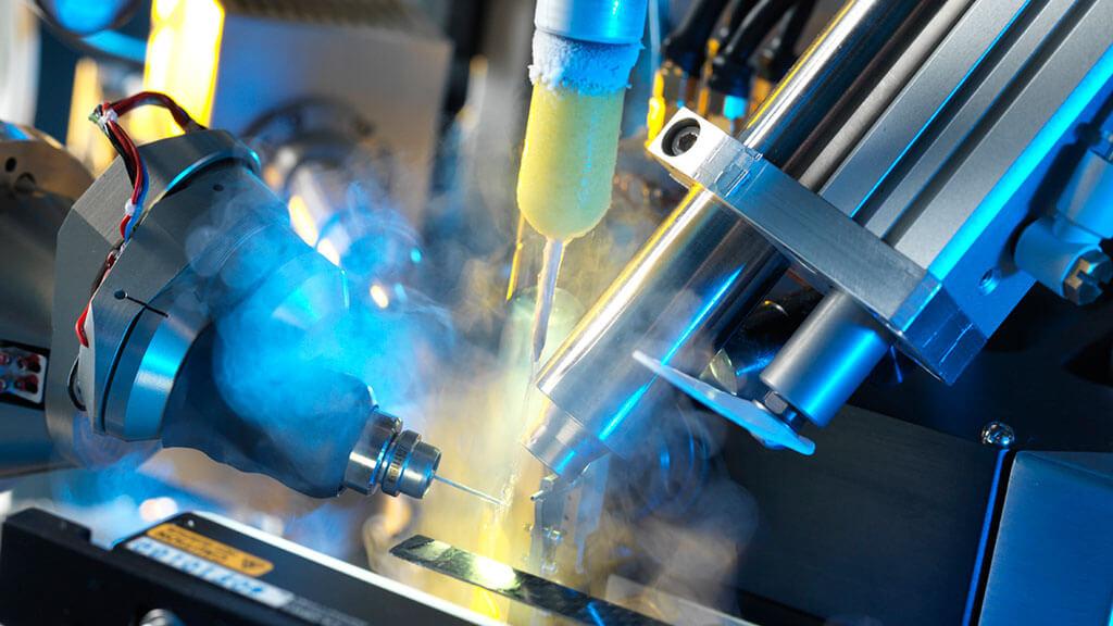 Diamond Light Source Macromolecular Crystallography